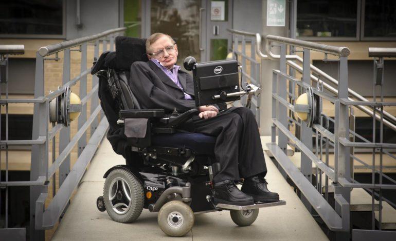 Stephen Hawking Yapay Zekanın Tehlikelerine Dikkat Çekti