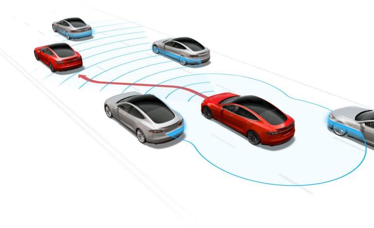 Tesla'nın Otomatik Pilotu Bir Kez Daha Hayat Kurtardı