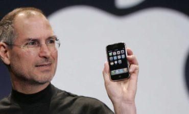 Steve Jobs, iPhone'u 10 Yıl Önce Bugün Tanıtmıştı