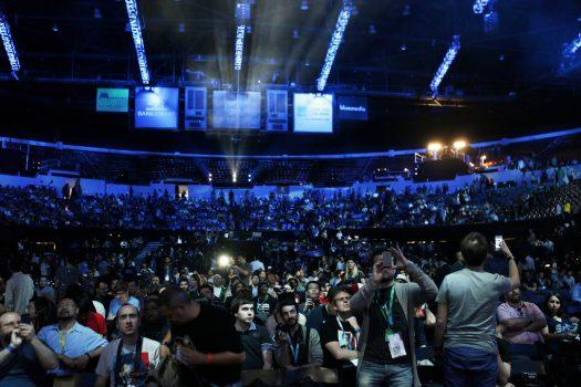 E3 2017; tarihinde bir ilke imza atarak, kapılarını ilk kez halka açacak.