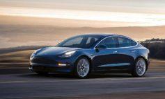Tesla Model 3 ile otonom sürüş videosu paylaşıldı!