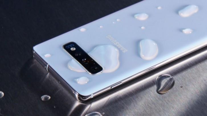 Samsung'a yanıltıcı reklam suçlaması!