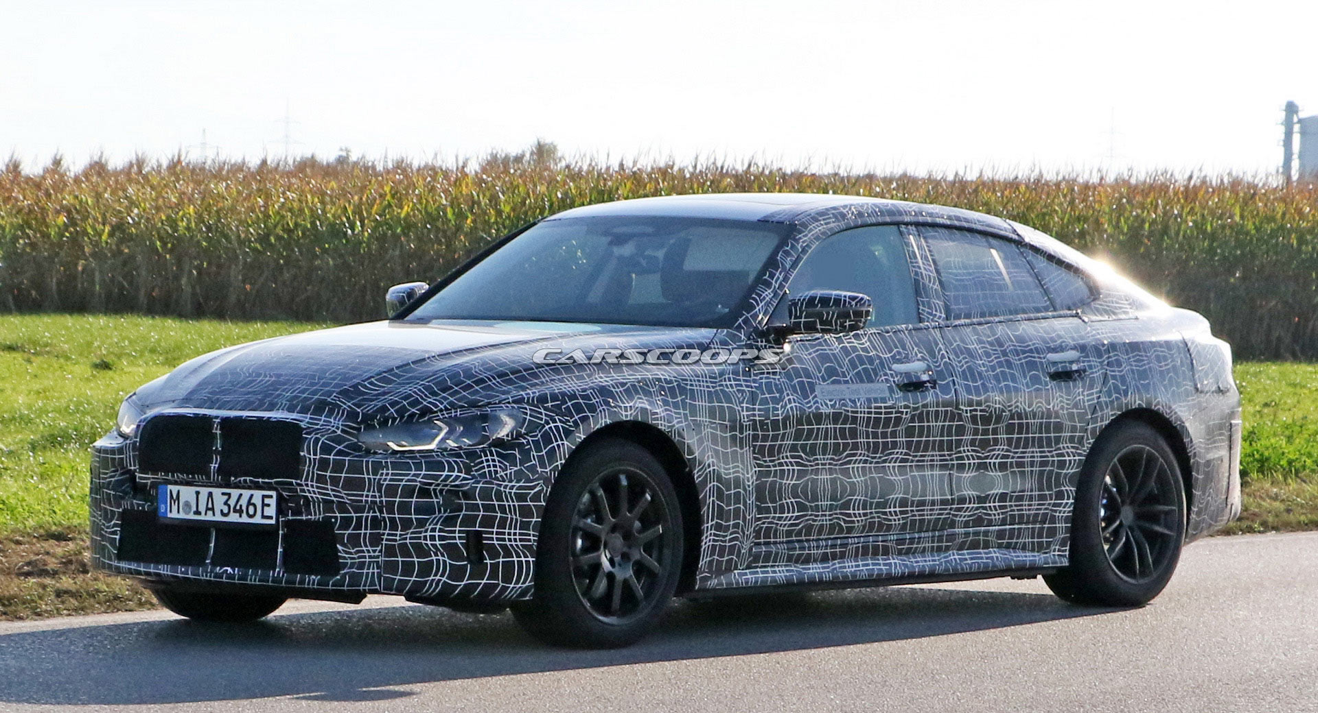 bmw-i4-spied-thinner-camo1