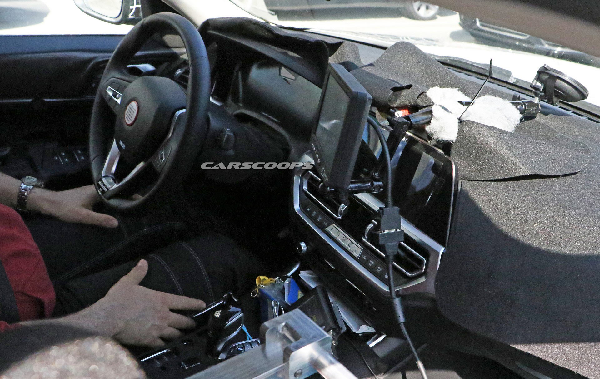 bmw-i4-spied-thinner-camo10