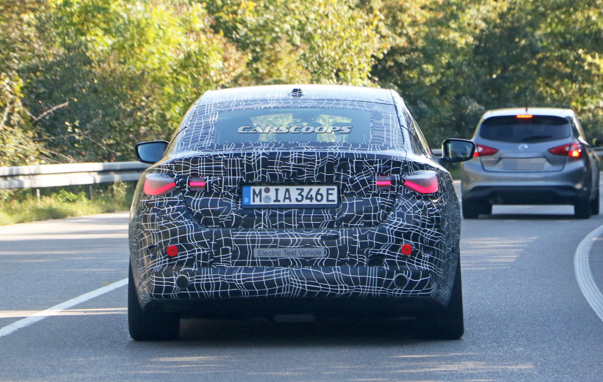 bmw-i4-spied-thinner-camo9