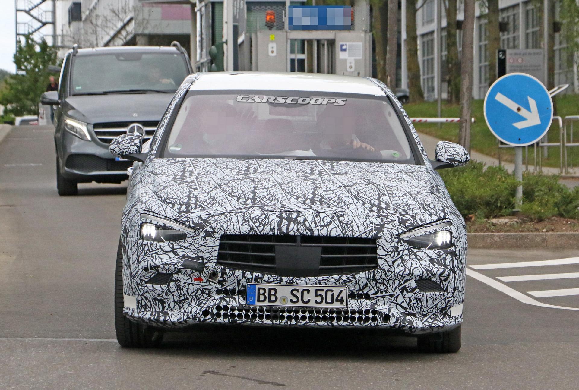 2021-Mercedes-Benz-C-Class-3