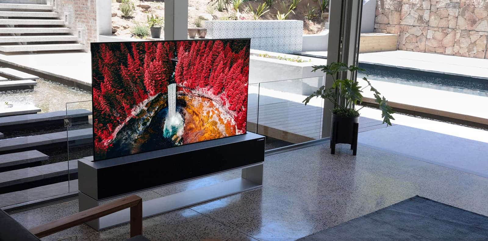 LG katlanabilir TV
