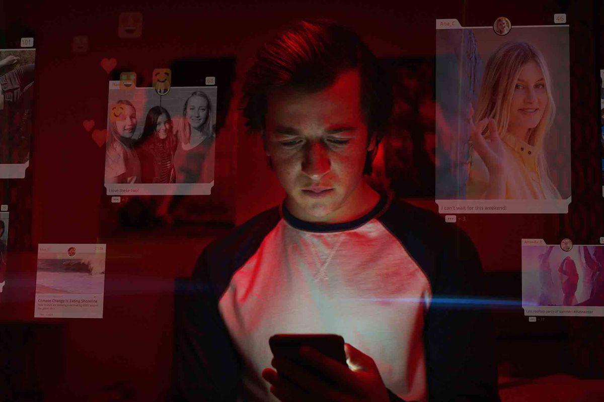 Facebook, Netflix Belgeseli 'Sosyal İkilem'e cevap!