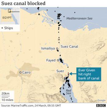 Süveyş Kanalın'da sıkışan gemi